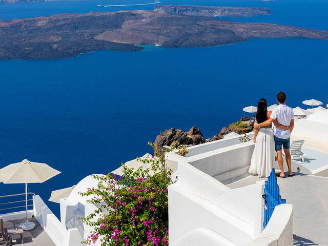 Discover Athens, Mykonos and Santorini
