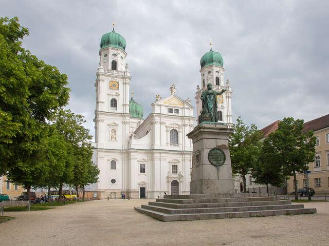Wednesday, September 9, Schlögen Oxbow / Passau, Germany