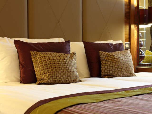 Luxury Hotels & Resorts