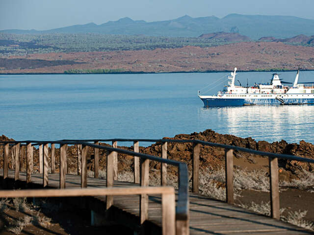 CRUISING THE GALAPAGOS ISLANDS-SANTA CRUZ II