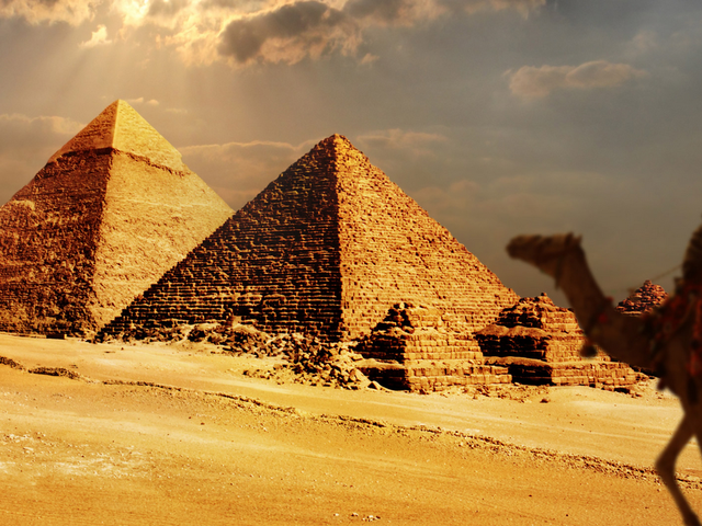 Central Holidays - Egypt Panorama Package Special Travel Savers offer Nile Cruise Dinner
