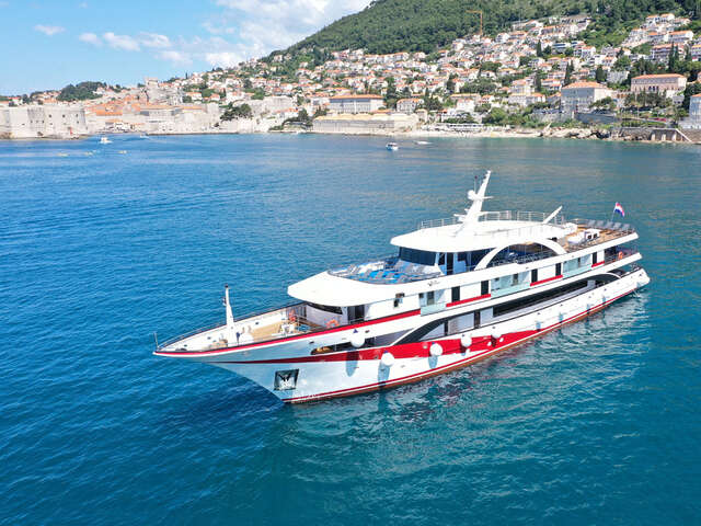 Croatian Islands Private Yacht Trip on the MS ANTARIS
