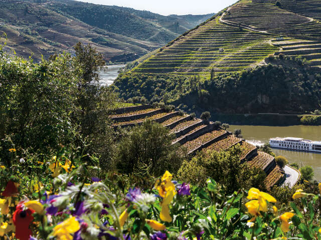 Uniworld - PORTUGAL, SPAIN & THE DOURO RIVER VALLEY