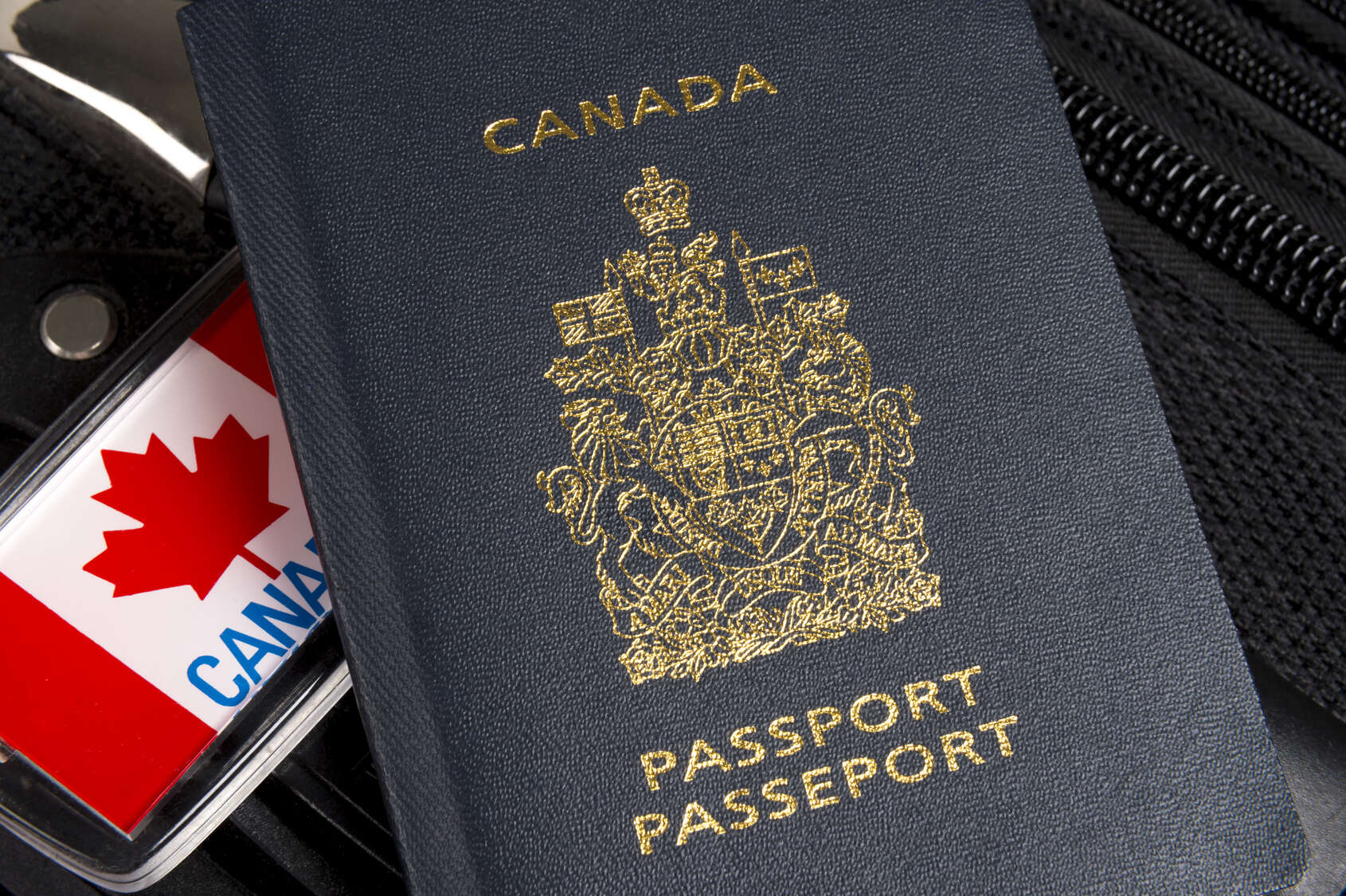 Canada's new passport requirements - extended leniency to Nov 9