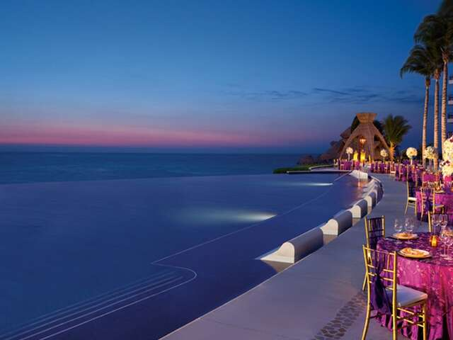 AMResorts: The PERFECT Choice For Your Destination Wedding Or Honeymoon