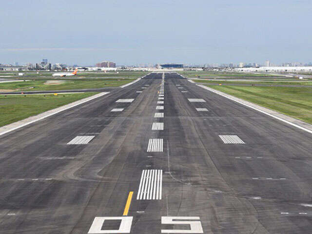 Toronto Pearson returns to regular operation - Runway construction complete