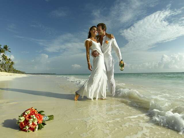DESTINATION WEDDINGS AND GROUPS