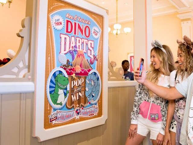 Play Disney Parks App Debuts at Disneyland and Walt Disney World