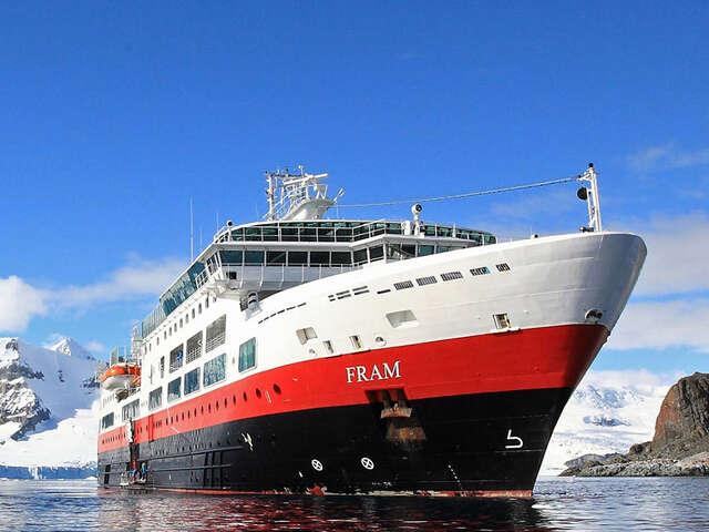 Discover the Arctic with Hurtigruten