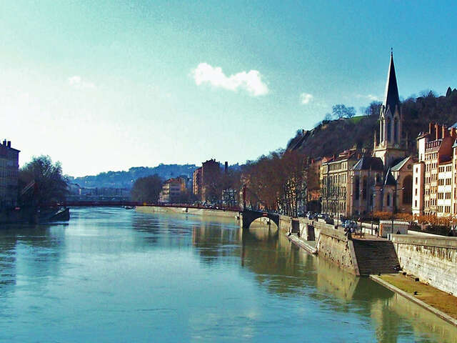 Boating holidays in Burgundy: Franche Comté