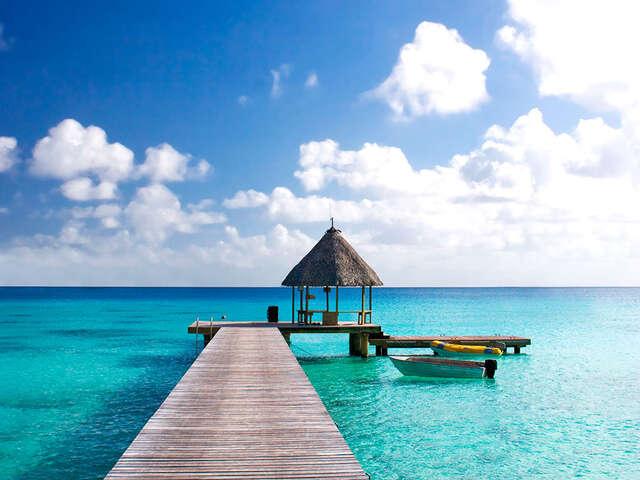 Pleasant Holidays - The Islands of Tahiti EXCLUSIVE $300 Savings