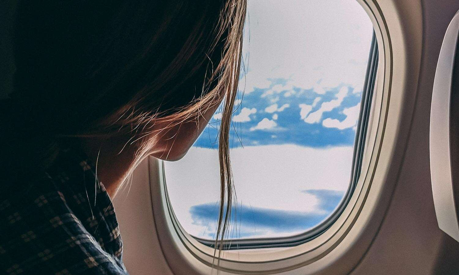 A Guide to In-Flight Skincare, from a Pro