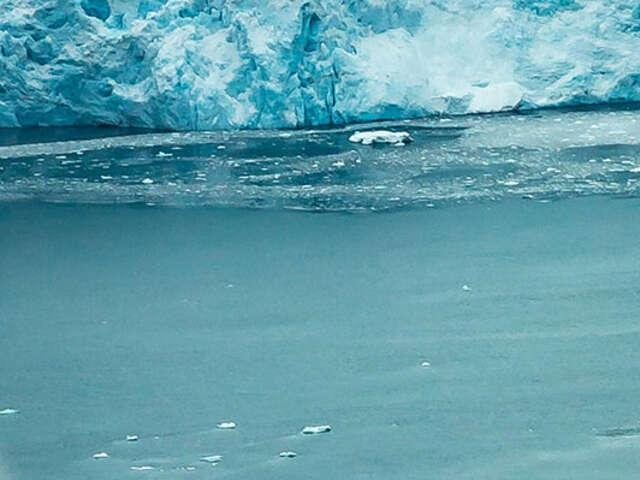 COMPREHENSIVE ICELAND CRUISE TOUR