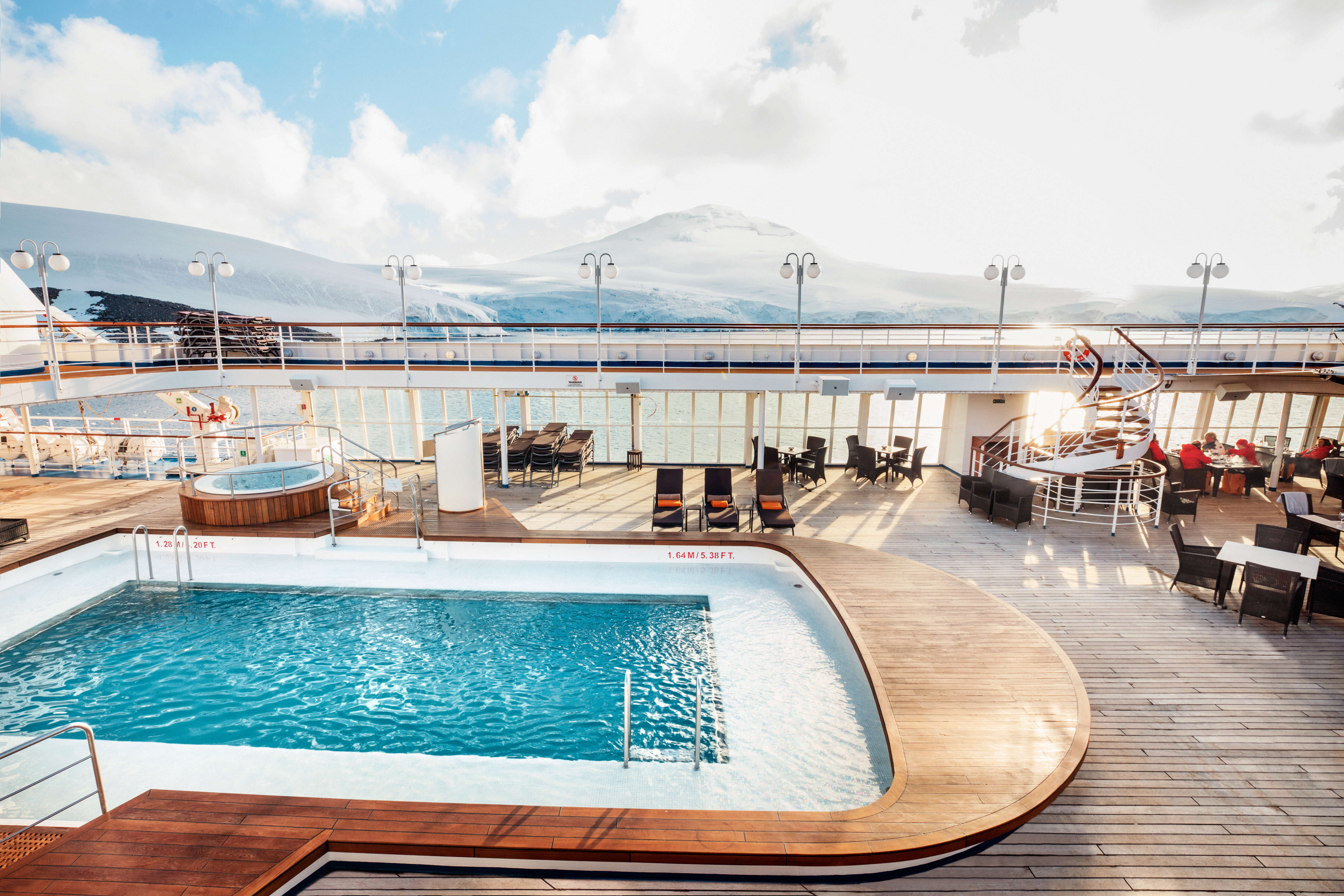 Happy Hour with SilverSea Cruises