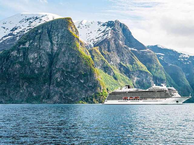 Viking Welcomes Guests Back on Board in Iceland