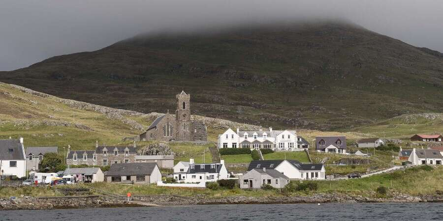 Kisimul and Kinlock Castles - Barra Island and Isle of Rum (Scotland)