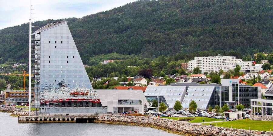 From Bacalao to Roses - Kristiansund & Molde - Half Day