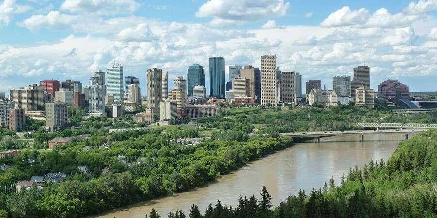 Canada's Festival City - Edmonton - Hotel