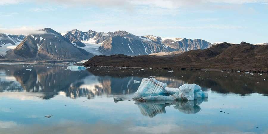 Mighty Glaciers, Deep Fjords, and Amazing Mountains - North West Spitsbergen National Park