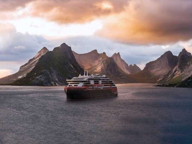 Norway - Roald Amundsen's Norwegian Coastal Highlights