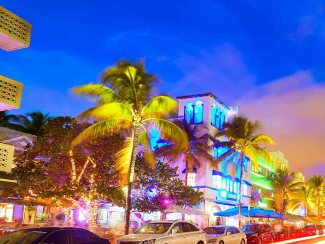 Caribbean Sea – Discover Keys, Coves and Reefs (Miami to Puerto Limón)