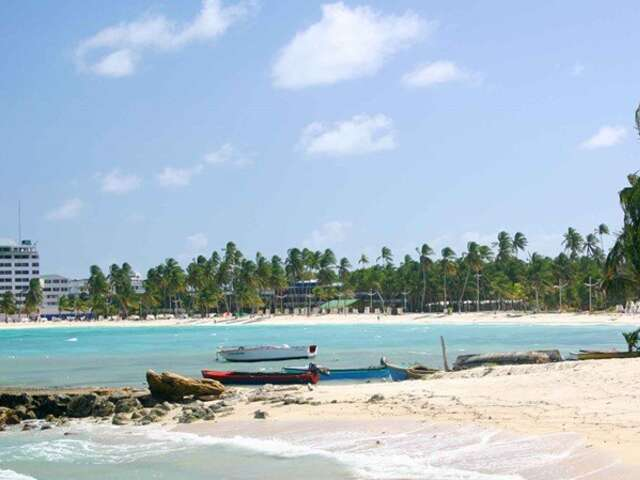 Caribbean Sea – Discover Keys, Coves and Reefs (New York to Puerto Limón)