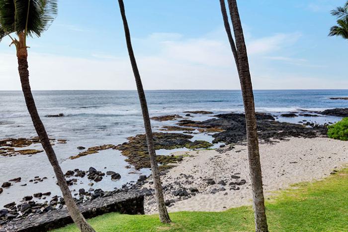 Castle Kona Bali Kai beach
