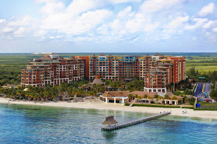 Luxury Residences Hotel by Villa del Palmar Cancun