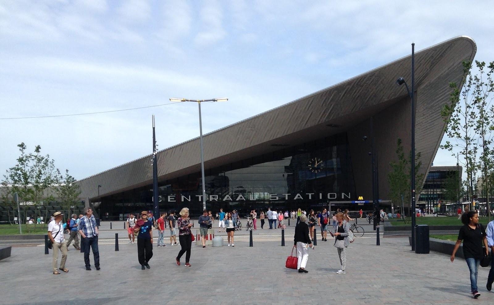 "Rotterdam Centraal Station ""The Shark"""