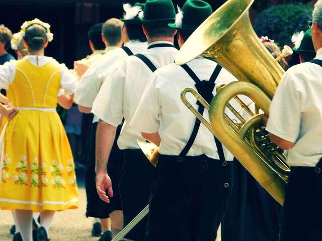 Oktoberfest - 6 Days Hotel (Start/End Munich) (Start Munich, end Munich)