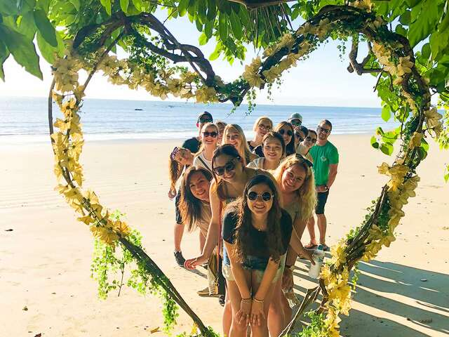 Reefs and Rainforests (Start Sydney - From Apr 2019)(Multi Share,Start Sydney, End Cairns)